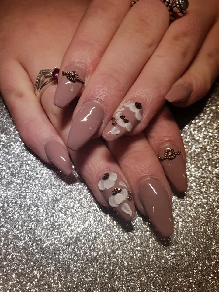salon nails3